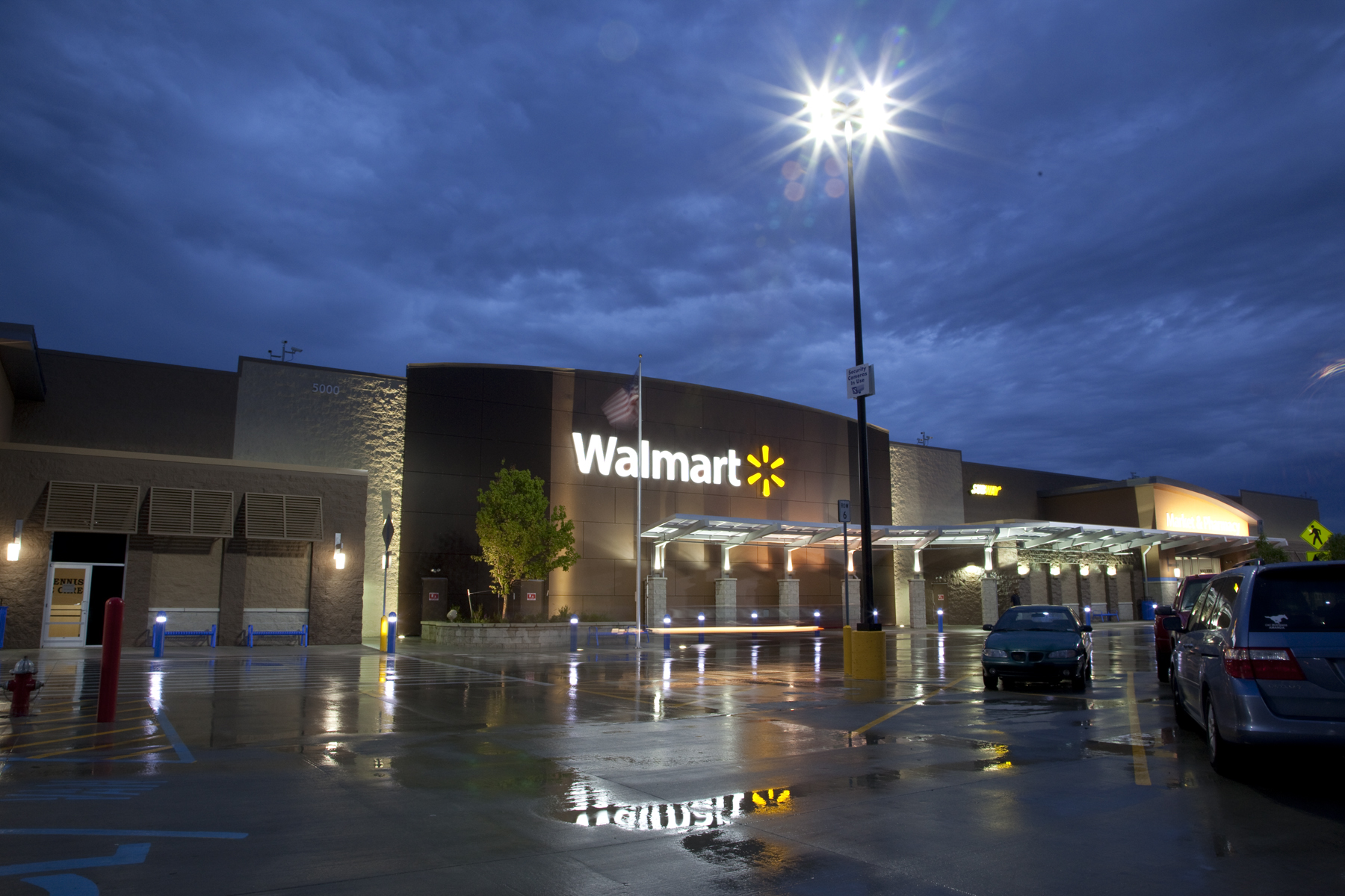 Walmart announces plans to purchase energy-efficient LED lighting fixtures for new supercenters in the United States stores in Asia and Latin America and ... & SignNews u2013 Walmart and GE transforming retail lighting with energy ...