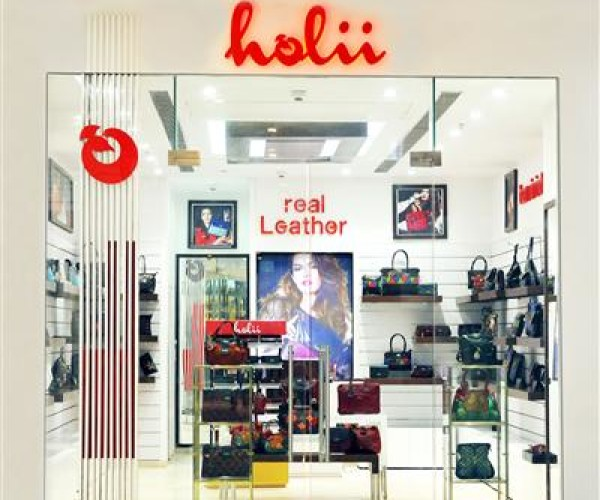 Holii unveils its fourth flagship airport outlet at Chandigarh