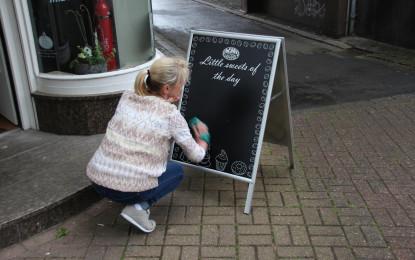 NESCHEN releases new easy dot chalkboard black film