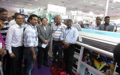 FUJIFILM India presents its Vybrant 1800 eco-solvent printer at Media Expo 2016 in New Delhi