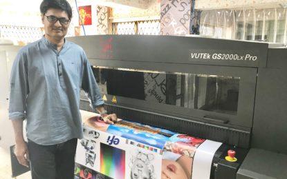 Arrow Digital installs Efi VUTEk GS2000LX Pro at Aakar Signs and Prints